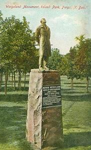 Henrik Wergeland statue